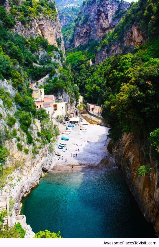Secluded beach furore italy awesome place to image for Awesome places to vacation
