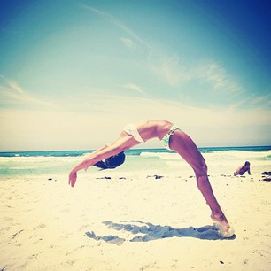 girl, summer, beach, gymnastics, sea