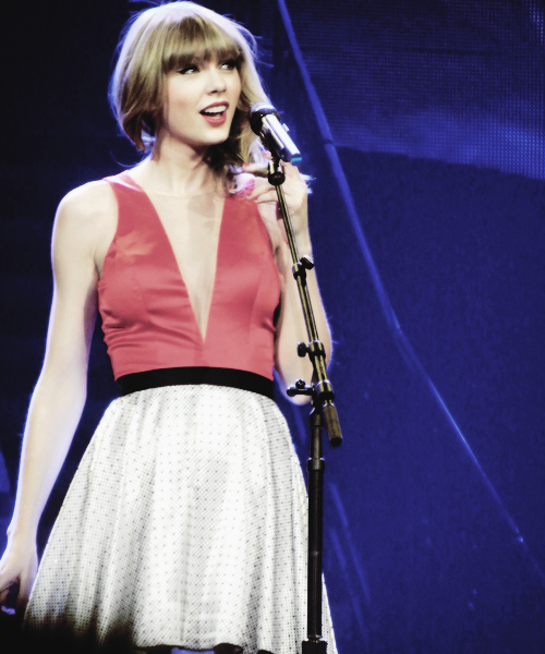 aww, cute, red tour and taylor swift