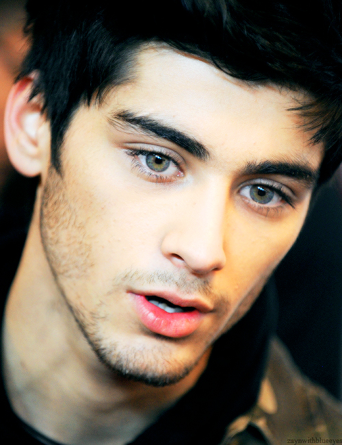Zayn Malik Eyes One Direction |...