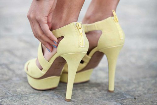 adorable, art, mint, yellow, blue, girly things, cute, fashion, legs, ootd, damn, denim, fab, outfit, girl, glamour, street, high heels, nails, tanned, inspiration, shoes, heels