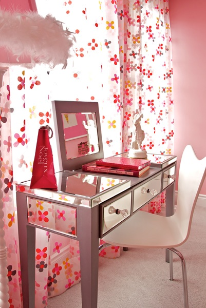 beauty, cute, desk and flowers