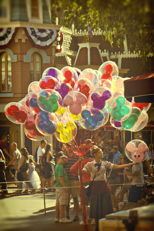 balloons, cool, cute, disney, disney land, fantastic, fashion, girl, imagine, omg, photo, photography, sexy, style, vintage, disneu baloes, amomuito, disney balloons, lugarperfeito