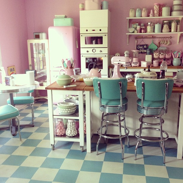 Pink Retro Kitchen Table