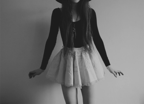 style, vintage, fashion, skinny, white, black, pretty, indie, love, cool, beauty, grunge, hipster, skirt, young, girl, teenagers, sweet, urban, retro