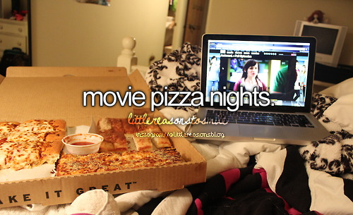 how to plan a movie night with friends