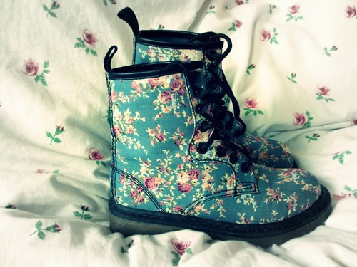 shoes, beautiful, chic, turquoise, pink, style, dr martens, girl, docs, wonderful, trend, cute, trendy, gorgeous, fashionable, clothing, floral print, clothes, girly, pretty, fashion, cool, boots, lovely
