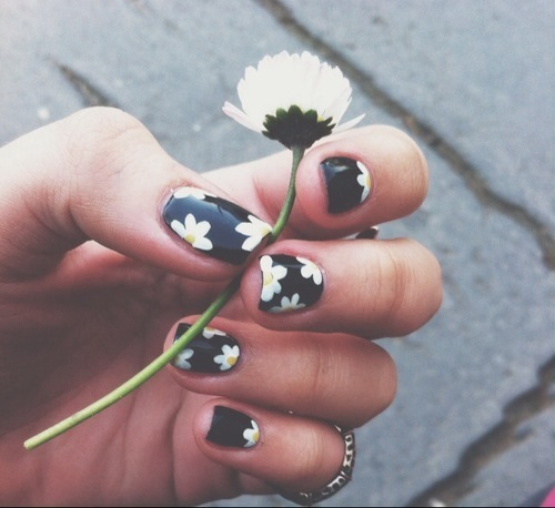nails | via Tumblr - image #1879339 by marky on Favim.com