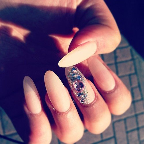 Trend Alert- Almond Nails - Fashion Diva Design